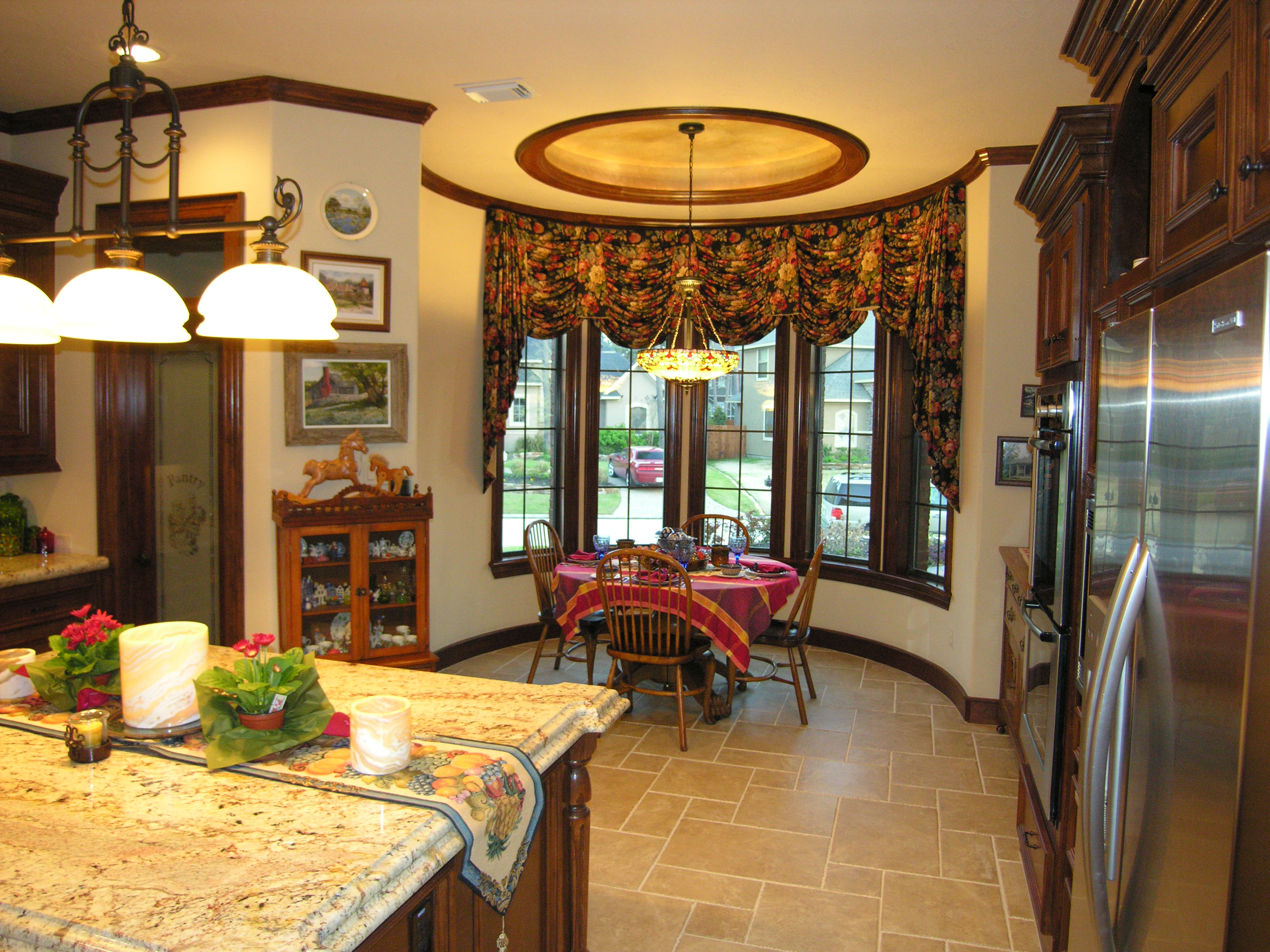 Interior designers houston tx sunbelt designer window lyon for Kitchen design 77070